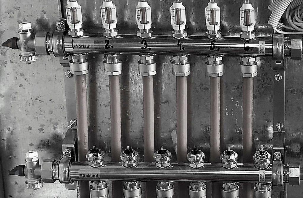 Automatizare pardoseala -- distribuitor cu robineti termostatati, actuatoare nemontate